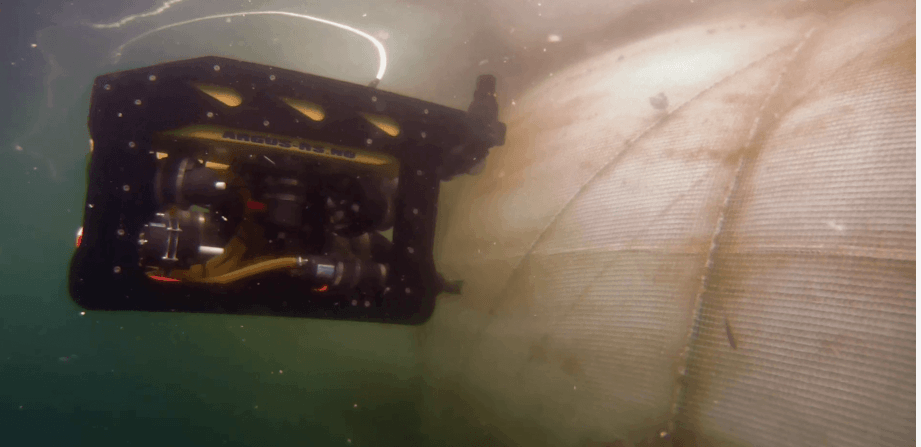​Navigating with ROV under water ( Norwegian)